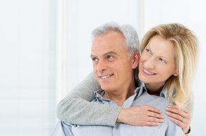 Comment retrouver un homme après 50 ans
